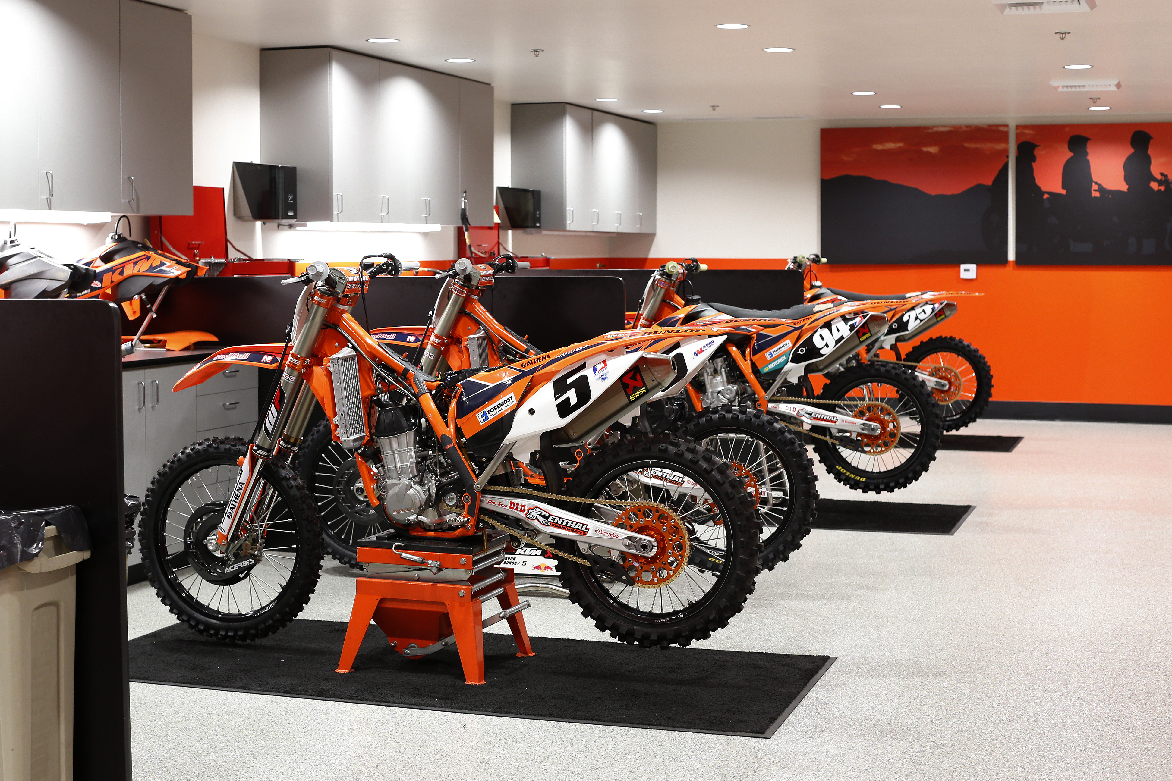Ktm Shop At Red Bull Ktm Sx And Mx Behind The Scenes 2 The Hq Ktm Blog