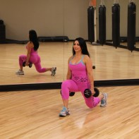 Galie-doing-dumbbell-lunge-2
