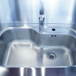 Un bel évier propre grâce à l'Éko-Inox