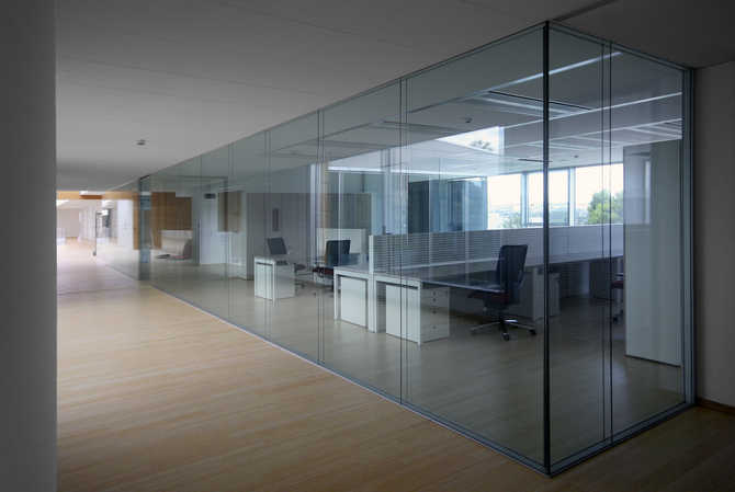 Rainbow SpA new offices glass partition walls and acoustic comfort