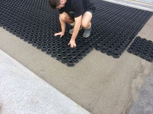 Installation for gravel or aggregate