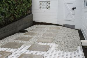 Installing sure pave with flagstone inlay