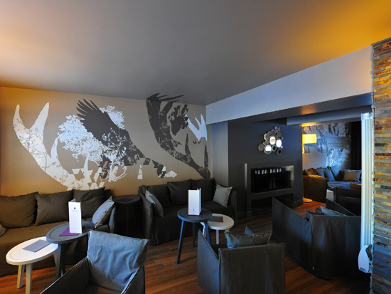 mel-et-kio-design-mural-art-mural-monumental-hotel-grand-aigle-04-blog1