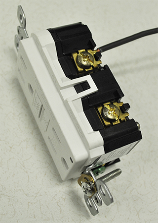 Back Wiring vs Side Wiring \u003e How to \u003e Leviton Blog
