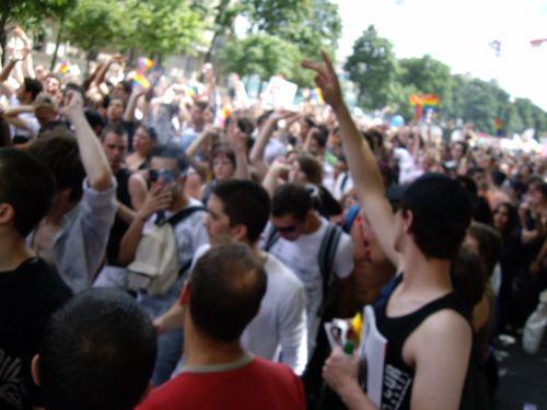 groupe de gens à la Gay Pride 2008