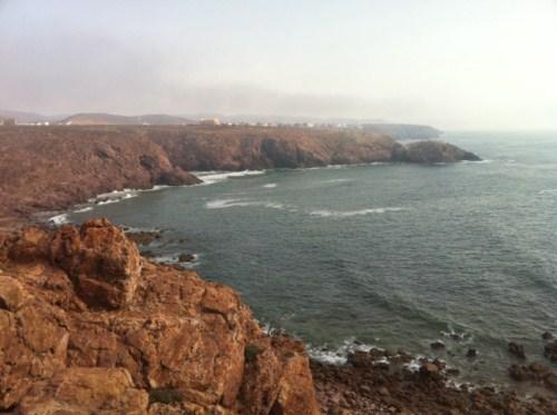 Vue de la côte à Mirleft (Expression Ecrite : Mes vacances à Mirleft au Maroc avec mes copains)