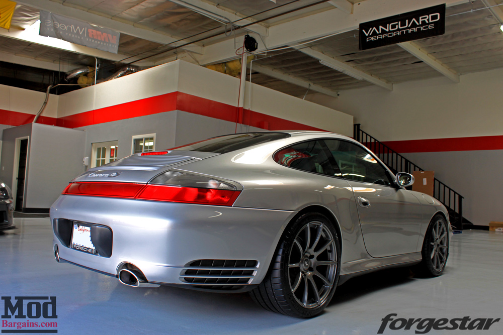 porsche 996 carrera 4s on forgestar cf10 gunmetal wheels blog. Black Bedroom Furniture Sets. Home Design Ideas