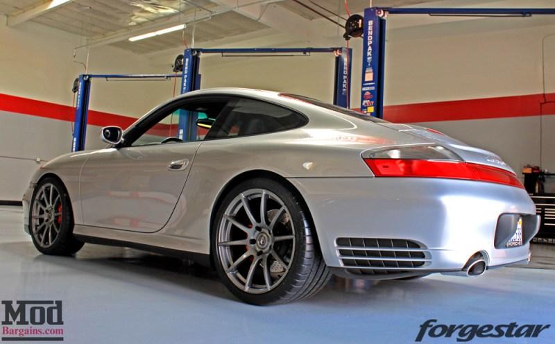 porsche-996-carrera-4s-on-gm-forgestar-cf10-img012