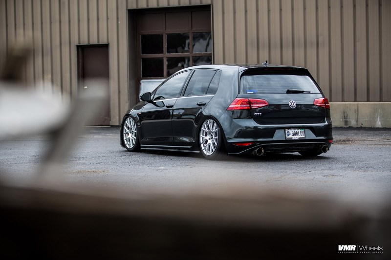 VW-MK7-GTI-V810_on_Air_Suspsension