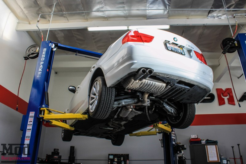 BMW_E90_328i_White_BMW_Performance_Exhaust_Only-3