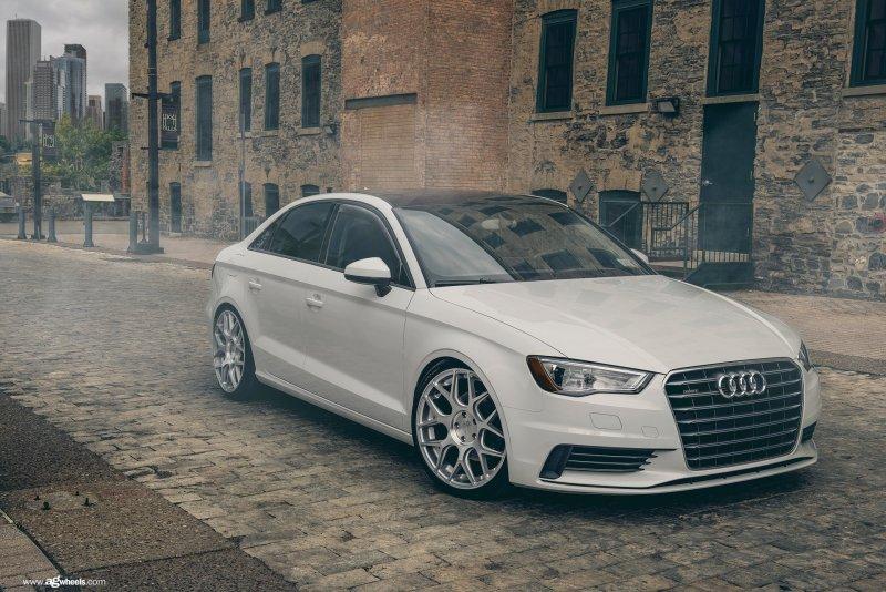 Audi_8V_A3_Avant_Garde_M590_19x95_img001.jpg