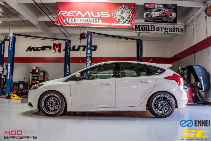 Ford Focus ST 14 CX FMIC ST X Coilovers Enkei RPF-1 Steeda Rear Sway Milltek nonres (8)