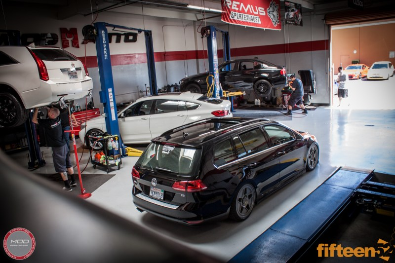 VW_Golf_Sportwagen_Fifteen52_Tarmac_R43_Airlift (10)