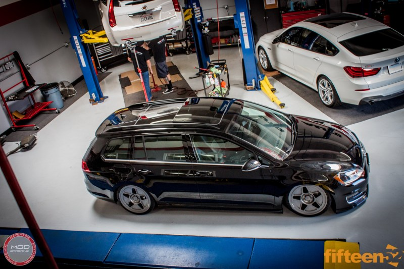 VW_Golf_Sportwagen_Fifteen52_Tarmac_R43_Airlift (7)