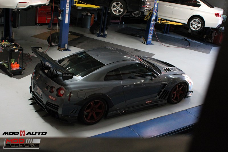 Nissan_R35_GT-R_Motul_widebody_JPL_Shirt_Guy (17)
