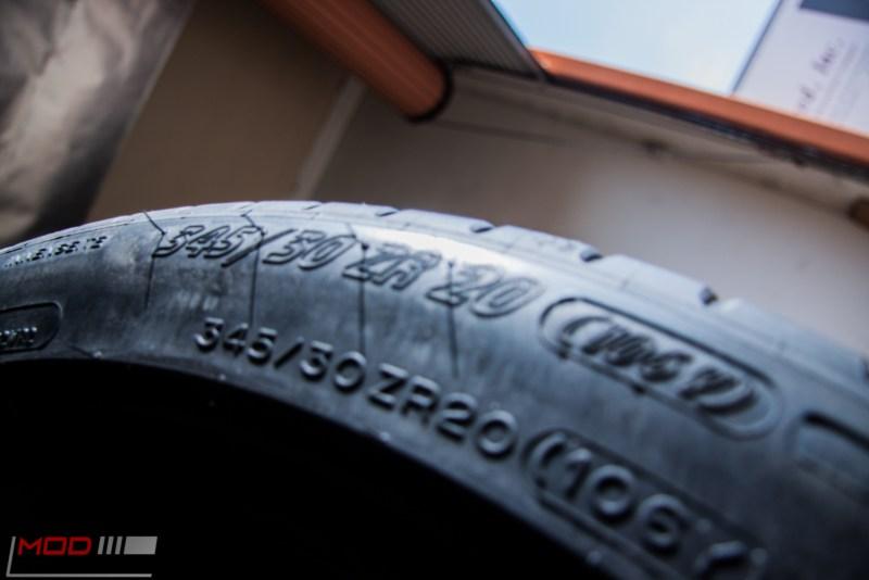 Michelin_Pilot_SuperSport_335_20_instock (1)