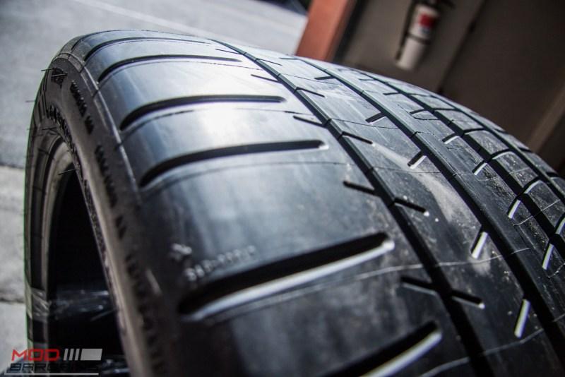 Michelin_Pilot_SuperSport_335_20_instock (10)