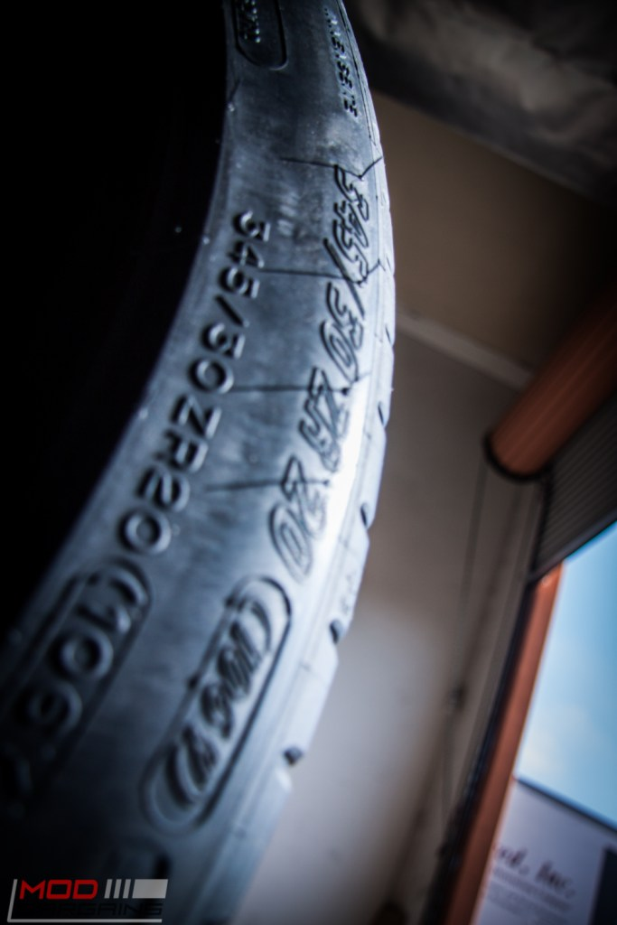 Michelin_Pilot_SuperSport_335_20_instock (11)