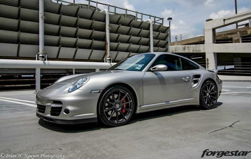 Porsche-997-997tt-Silver-Forgestar-CF10-Gloss-Graphite_19x85-19x12-img001