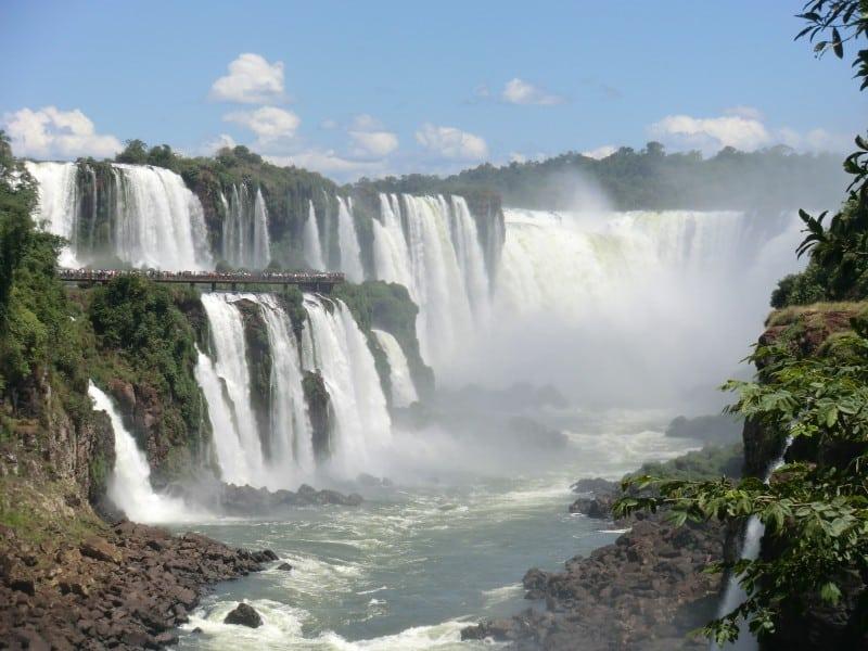Iguazu Falls Wallpaper Das Ger 228 Usch Des Fallenden Wassers Von Iguaz 250 Reisen In