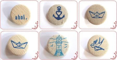 Maritime Stoffbuttons, handbedruckt auf Vintage-Leinen.