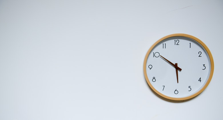 How to Switch an Employee from Salaried to Hourly