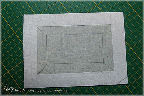 燙好後,把布料邊緣修剪整齊。並畫上準備裁切掉的線。