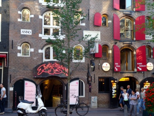 Amsterdam free tours red district