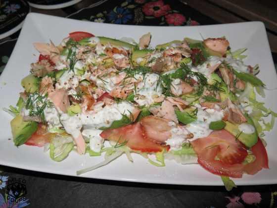 Salát s pečeným lososem