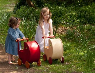 Wooden Toys v Plastic Toys – Join the Debate