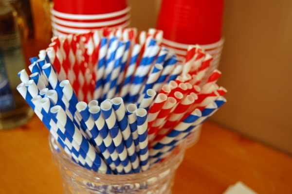 red-white-striped-paper-straws