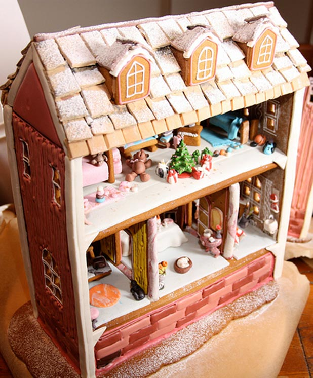 Gingerbread-Dollhouse