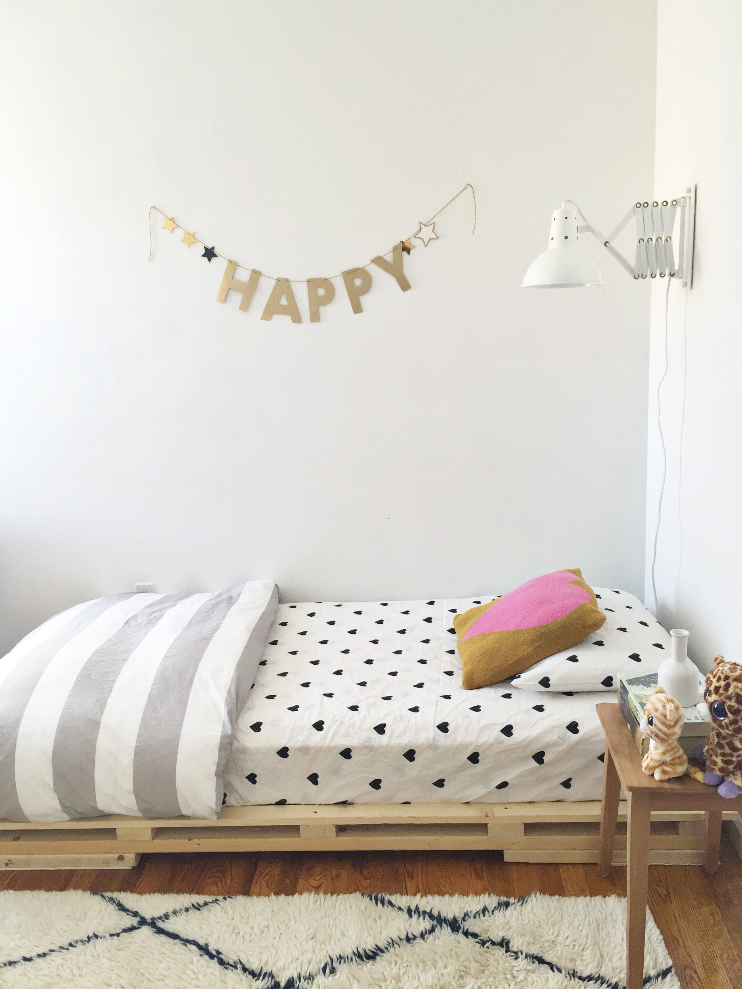Kidspace Bedroom Furniture A Super Cool Teen Room Makeover With Kirsten Grove Pottery Barn