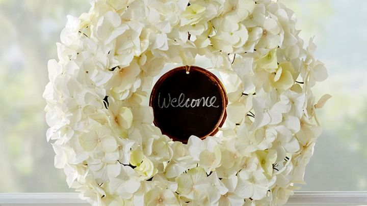 personalizable-hydrangea-wreath-z
