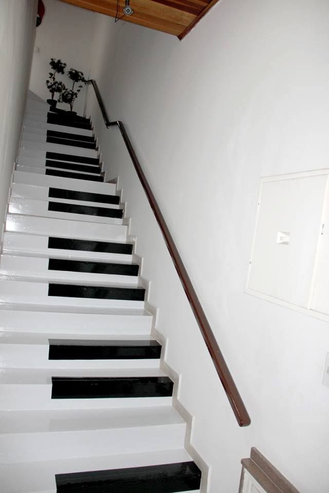 Black Dot Wallpaper 25 Funky Ways To Bring Your Staircase Back To Life