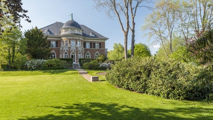 Dh114m historic German villa comes with the Berlin Wall in the garden – in pictures