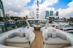 rental-Motor-boat-ISA-120feet-Miami-FL_n6hcxXl