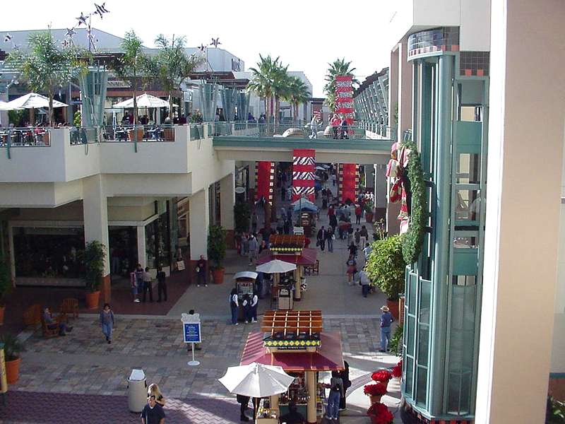 fashion valley stores