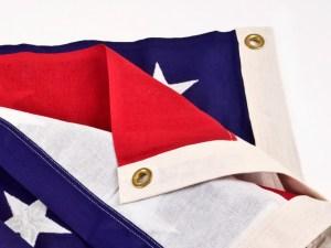 Flag-grommets