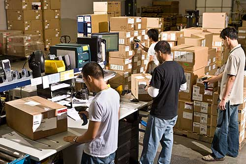 Manual Vs Automatic Packing The Pros Cons Blog The Shelving Blog