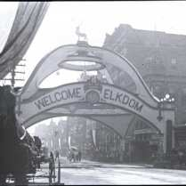 Elks Arch in 1908 during the National Convention of the Fraternal Order of the Elks. Courtesy Dallas Historical Society. Used by permission.