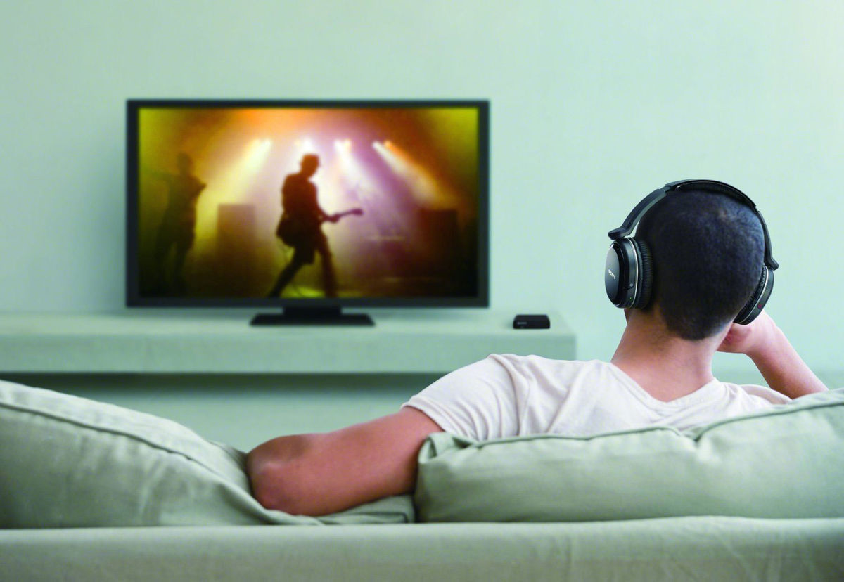 couter la tv avec un casque bluetooth le blog de son vid. Black Bedroom Furniture Sets. Home Design Ideas