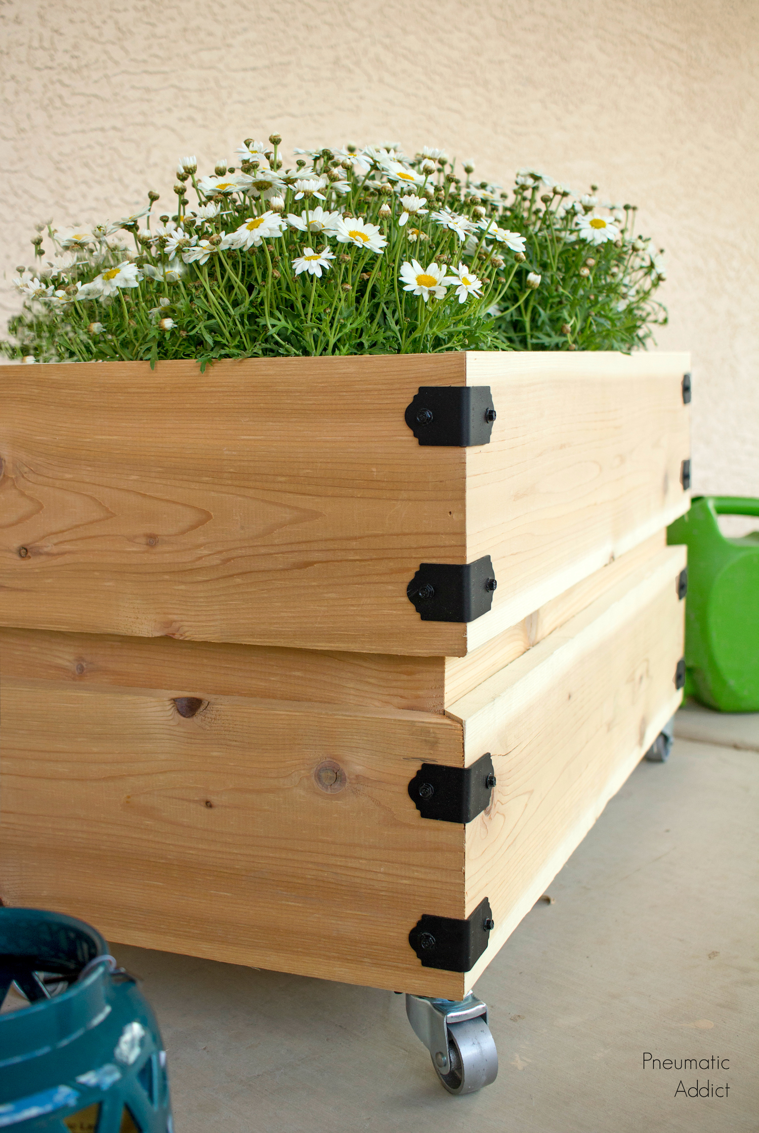 Simple Planters Diy How To Build A Simple Rolling Planter Building Strong