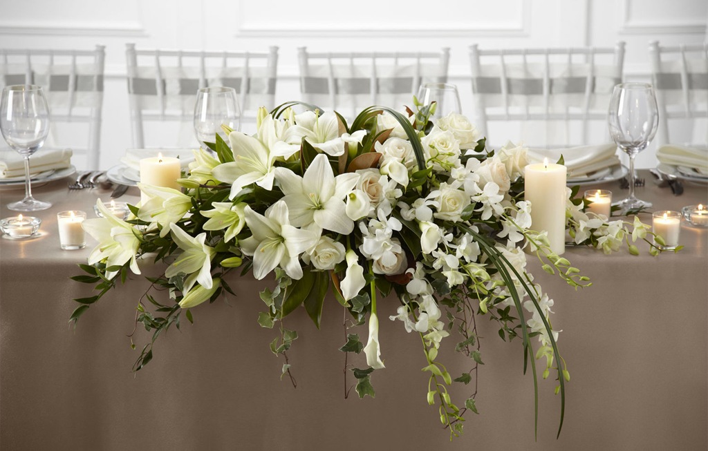 Royal Garden Tisch Spring & Summer Wedding Flowers - Style Weddings & Events