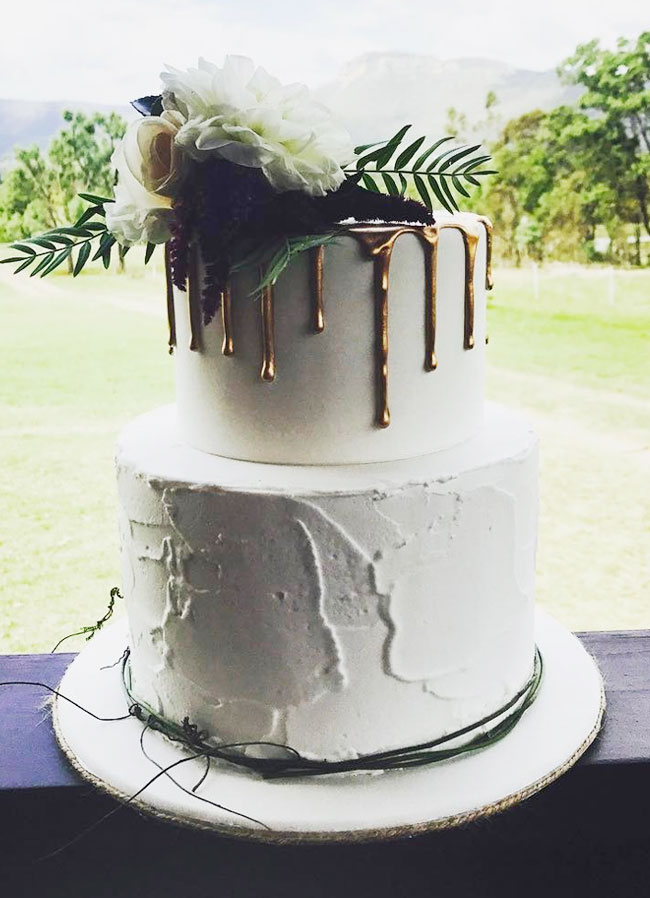 Pantone Color 2016 20 Trendy Drip Wedding Cakes That Make Your Dessert Table