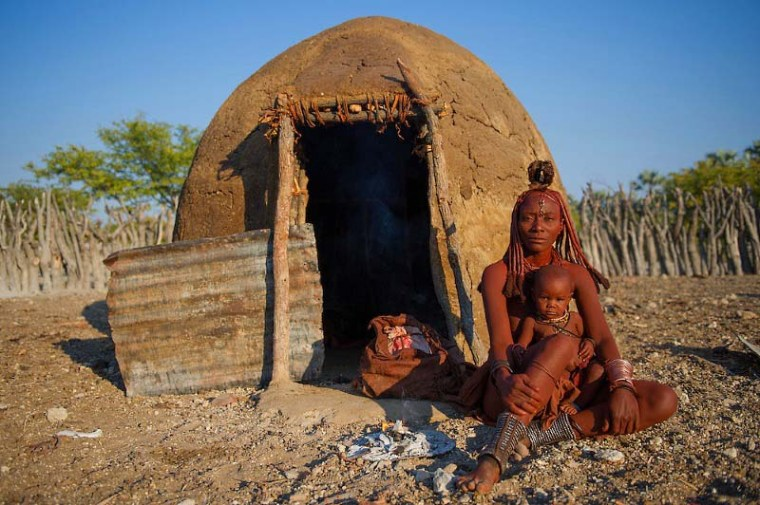 Unique fashion of Namibia's red women - Himba (Pictures)
