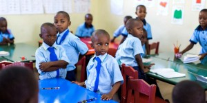 Should African schools stop teaching in English ?