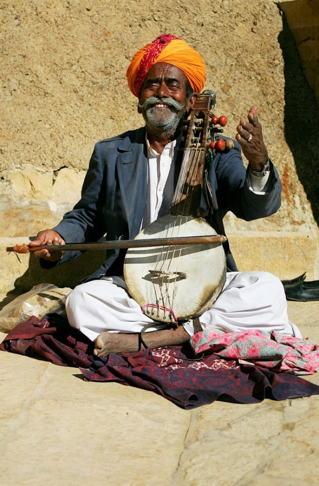 See this man playing the kaimacha, a bowed string instrument used in folk music from the region of Rajasthan.