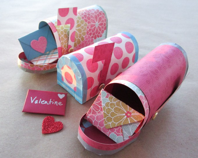 valentine-papercraft-free-printable-mailbox-mini-valentines-day