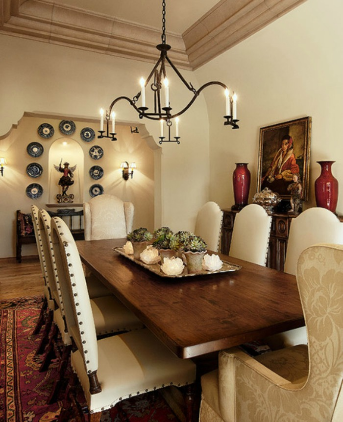 10 inviting old world style dining rooms